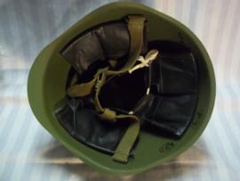 Russian steelhelmet post war. Russiache na-oorlogse helm, lijkt veel op het laatste model Russische helm uit WO2, perfect reenactment helm.