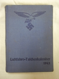 German diary of the Air Force 1943. Duitse agenda van de Luftwaffe, NSFK, mooi ingevuld en vol met wetenswaardigheden over vliegtuigen, rangen, advertenties. een heel mooi boekwerk.