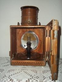 Old railway lamp of the Belgium railroad, CFB marked.fuel is in a glass bottle.Oude Belische spoorweglamp met glazen brander zeer apart en vrij zeldzaam. CFB gemerkt Chemin de Fer Belge