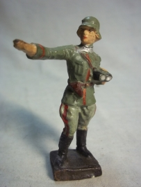 German soldier LINEOL officer. Duits speelgoed soldaatje officier