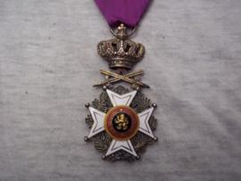 Belgium medal. Belgische medaille Leopold orde met zwaarden, militair uitgereikt.