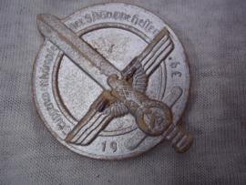 German tinnie, rally badge, Duitse tinnie KARTON. Gruppenwettkampfe der SA Gruppe Hessen. 1939