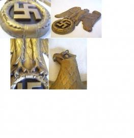 German wall eagle. Duitse muuradelaar 100% origineel goudkleurig Partij Wehrmacht of Kriegsmarine. apart en uniek item.