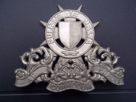 Helmet badge or the Maltese police. Helm embleem voor de tropenhelm seremonieel Politie malta.