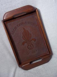 Wooden tray with  3. REI . Houten dienblad met he tembleem van de 3e REI Regiment etrangere de Infanterie Vreemdelingen legioen legion etranger foreign Legion.
