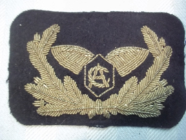 Cap badge Ceylon  Airlines, officer. Piloten pet embleem officier 1e piloot Ceylon Airlines.