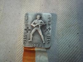 Swiss medal, Zwitserse medaille naoorlogs 1952, grotere uitvoering zie speldje hierboven, klein herinnerings speldje.