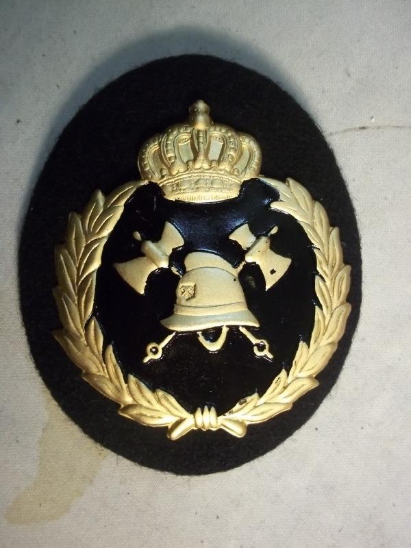 Belgium badge fire department, metal. Belgisch brandweerembleem metaal