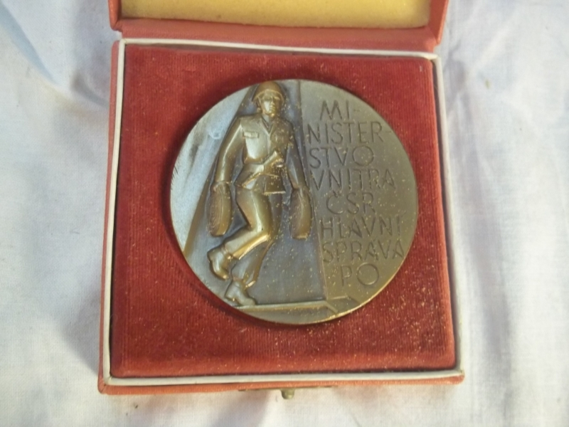 Table- medal in case Polnish firedepartment. Penning Poolse brandweer in doos.