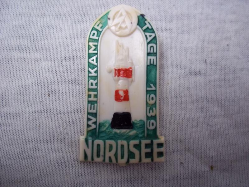 German tinnie, rally badge, Duitse tinnie, SA Wehrkampftage 1939 Nordsee met hersteller, gemaakt van plastik.