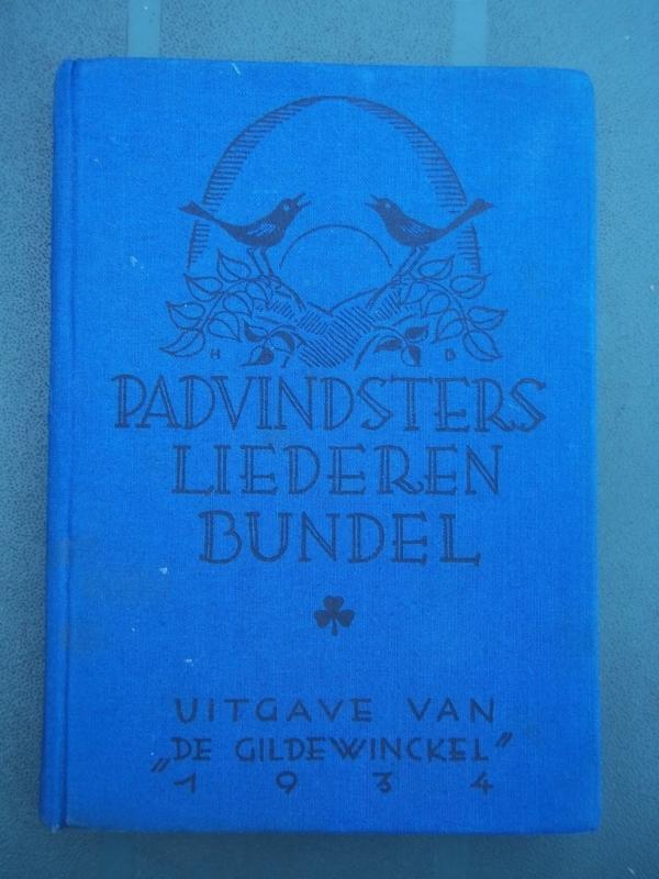 Boek Padvinders liederen bundel uit 1934.