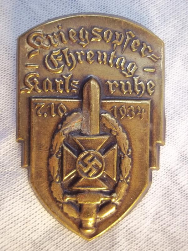 German tinnie rally badge, Duitse tinnie Kriegsopfer Ehrentag Karlsruhe 7-10-1934