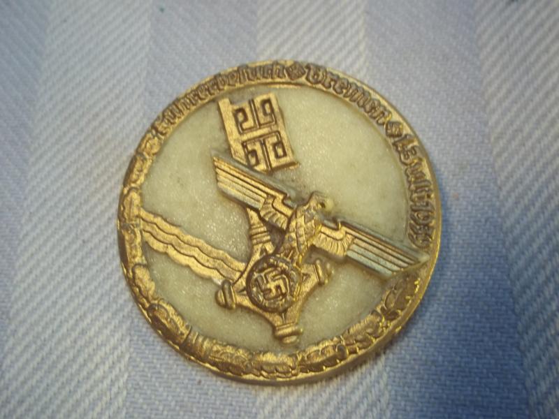 German tinnie made of plastic, Fuhrerbesuch Bremen 1939, nicely marked. Tinnie Bremen 1939 met RzM code.