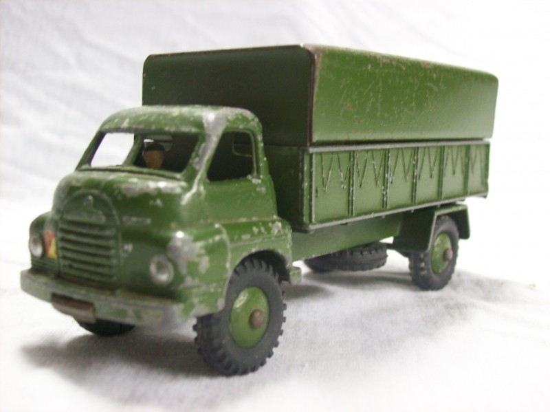 Military Dinky Toy armytruck, legerauto Dinky toy vrachtwagen