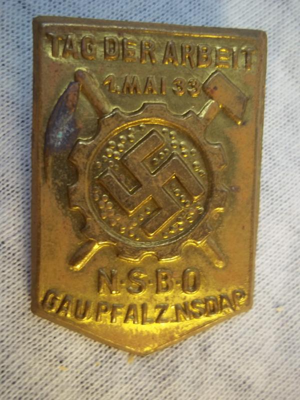 German tinnie rally badge. Duitse tinnie NSBO, Tag der Arbeit 1. mai 1933 Gau Pfalz- NSDAP.
