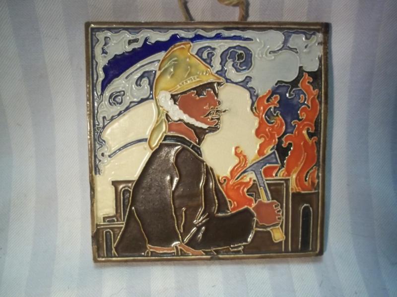Herinneringstegel, gekleurd, jaren 30-40 van Nederlands makelij.