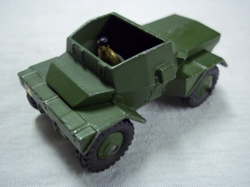 Dinky Toy armoured car. Pantserwagen speelgoed Dinky Toy