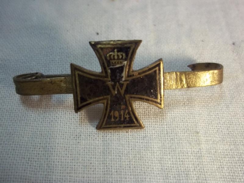 Miniature Iron cross as sweetheart, little enamel damage. Broche, sweetheart Ijzeren Kruis WO1 beetje emaille schade