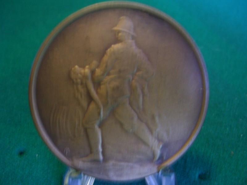 French medal pompiers, Franse penning van de brandweer voor reddingen.