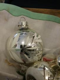 Kerstbal zilver 7 cm