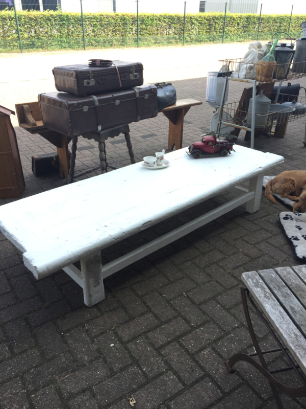 Stoere grote salontafel of bank