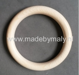 Houten houten bijtring, beukenhout * 8,5 cm.