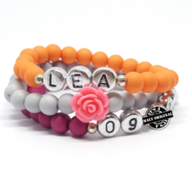 Kinderarmbandenset met  telefoonnummer armband, naam armband  en bloem armbanden  (3 armbanden)  Kies zelf je kleuren