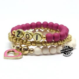 armbandset met  naam en donkerroze hartjes bedel - 3 armbanden) (kies zelf je kleur)
