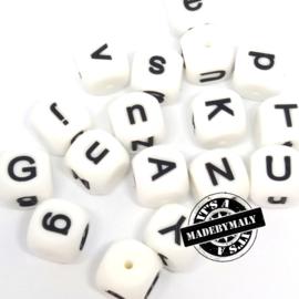 Siliconen alfabetkralen 15x15mm letterkralen