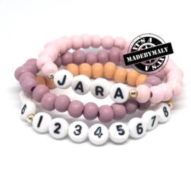 Kinderarmband telefoonnummer, naam- en uni armbandenset. (3 armbanden)  Houten kralen. Kies zelf je kleuren