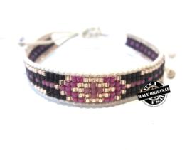 Beads armbandje met bruine, fuchsia en zilveren accenten