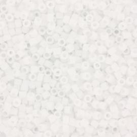 Miyuki Delica's 11/0 matte ab white DB0351
