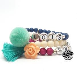 Kinderarmband met naam armband 'pompom', armband met bloem/kwast en telefoonnummerarmband  (3 armbanden)  Kies zelf je kleuren
