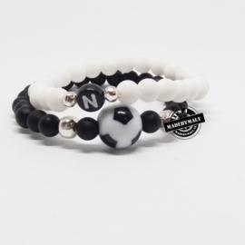 Naamarmband en voetbalarmband (2 armbanden) kies zelf je kleur