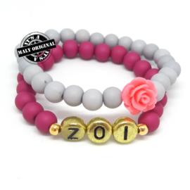 Naamarmband  en bloem armbandenset  (2 armbanden)  Kies zelf je kleuren