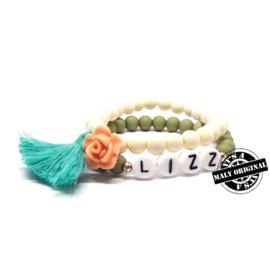 Kinderarmband naam en armband met bloem en kwastje  (2 armbanden)  Kies zelf je kleuren