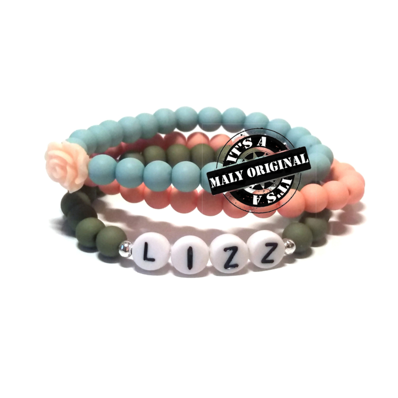 Zelfmaakpakket: prachtige naam armband, bloem armband  en uni armbandenset (3 armbanden)  Kies zelf je kleuren