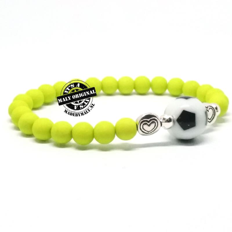 Voetbal armband met hart, kies zelf je kleur