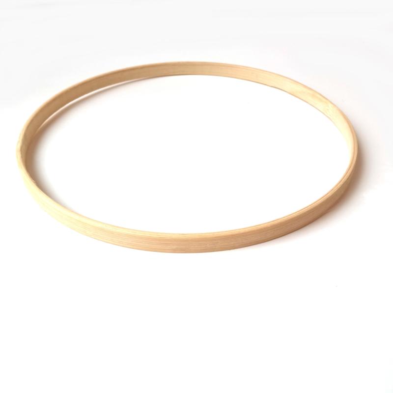 Ronde bamboe ring van 19 cm.