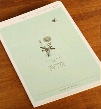 Schrift Listen to the flowers - blauwgroen