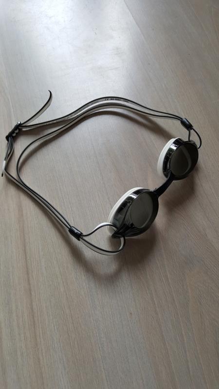 Zwembril Wind - zwart