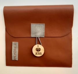 Mapje voor herinneringen steenrood vegan leather