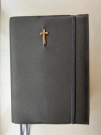 Bijbelhoes bruin meteor silverguard voor de Zij Lacht Bijbel
