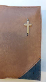 Vegan leather Cognac bijbelhoes met schuine hoeken van kurk jeans