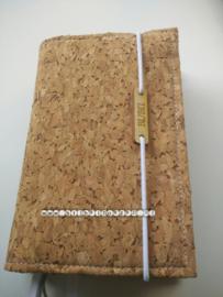 Kurk met bijbellabel en elastiek Bijbelhoes voor NBV (oranje)