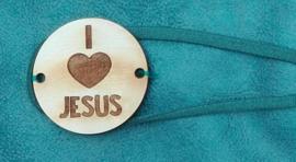 """Houten label met """"I love Jesus"""""""