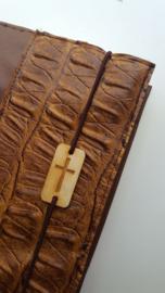 Bruine kunstleren bijbelhoes  (incl.  bruin Caiman Sable )