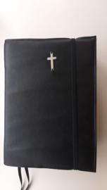 Bijbelhoes van zwart kunstleer