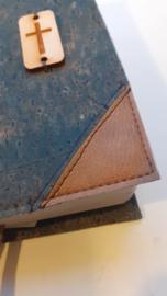 Kurk Jeans bijbelhoes met schuine hoeken van cognac kunstleer