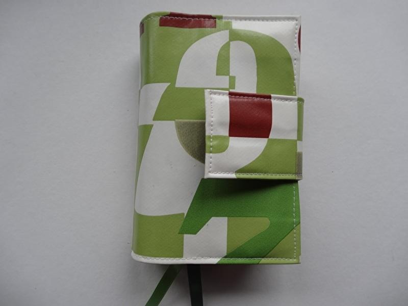 Britt Bijbelhoes voor Jongbloed zakbijbel